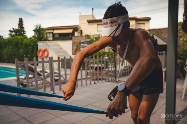Mario Mola Entrenando la natación  compex