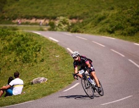 controlar bicicleta en bajada