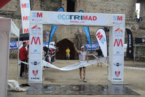 Marcel Zamora et Ana Burgos remportent l'Ecotrimad