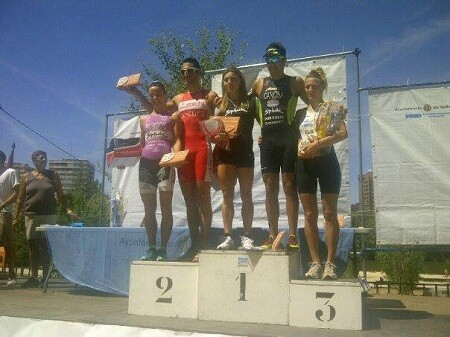 Photo of Brais Canosa and Helena Herrero triumph in the XVI edition of the Triathlon City of Valladolid