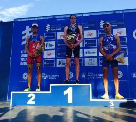 Alistair Brownlee gana en Ciudad del Cabo