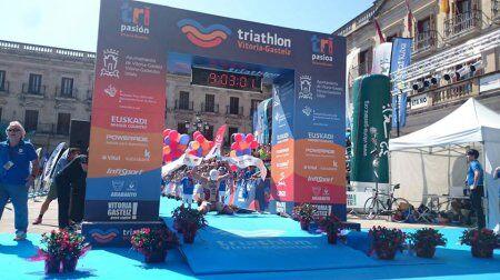 Diego Paredes gana el Triathlon VItoria
