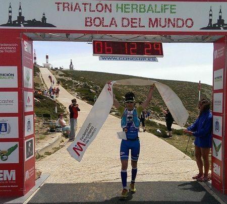 Mikel Oategi ganador del Triatlón Largo de la Bola del Mundo