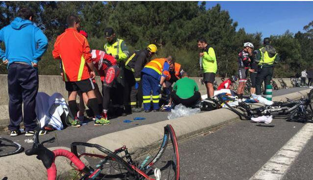Photo of A cyclist dies hit and seven are injured in Galicia by a man of 87 years