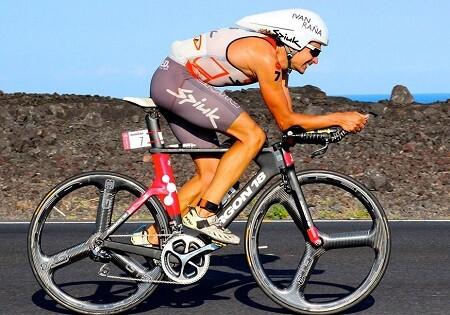 Ivan Rana en un Ironman