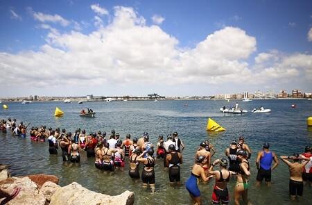Salida natació triatlón Torrevieja