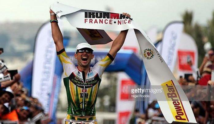 Victor del Corral ganando el Ironman Niza