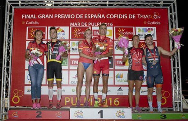 Camila Alonso und David Castro proklamieren sich selbst als Meister des spanischen Grand Prix Triathlon Cofidis