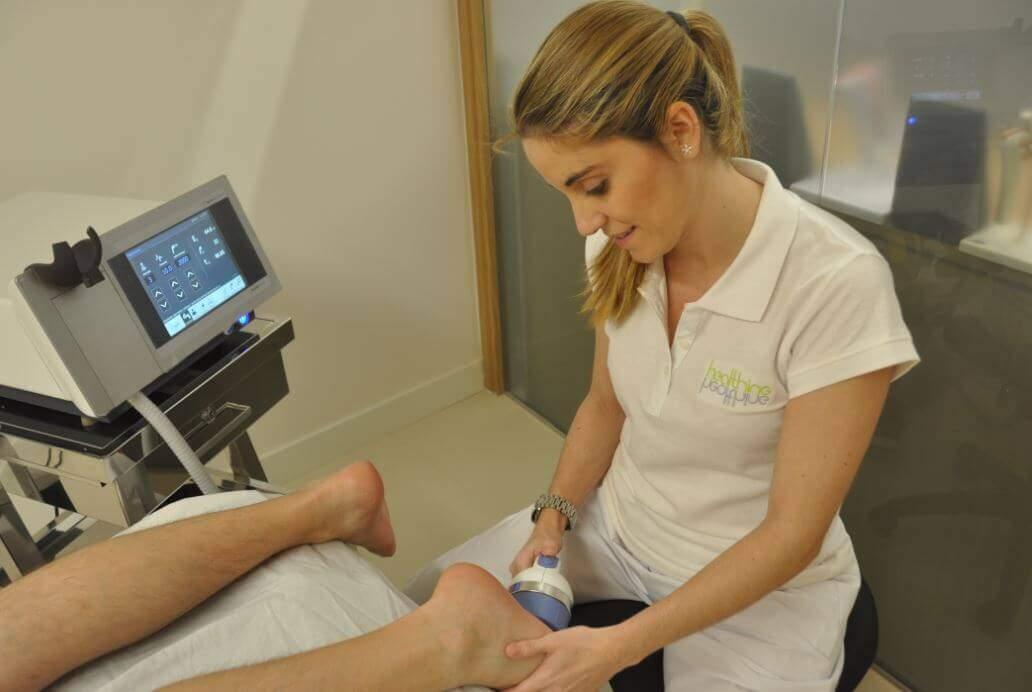 salud_tratamiento-fascitis-plantar-healthin ¿Qué es la Fascitis Plantar? causas y tratamiento Artículos Fisioterapia
