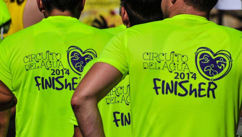 noticias_circuito-agua-camisetas Valmayor clôturera l'édition 4 du Triathlon Water Circuit de Madrid Triathlon News