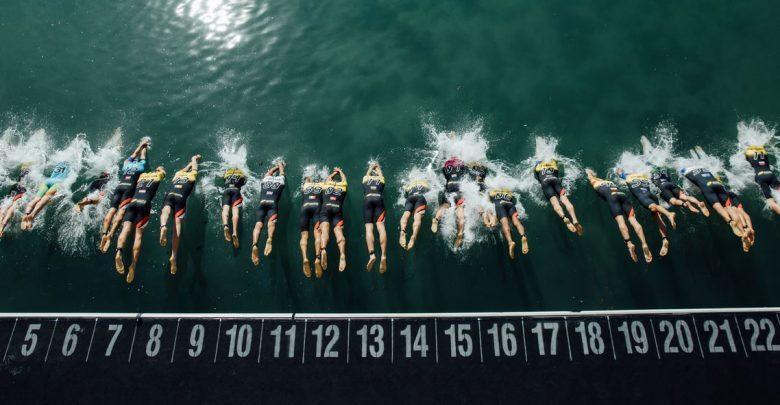 Kristian Blummenfelt y Katie Zaferes se llevan la primera etapa de la Super League Triathlon Jersey