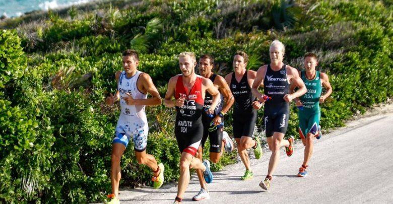 Photo of Flora Duffy y Ben kanute ganadores del Island House Triathlon