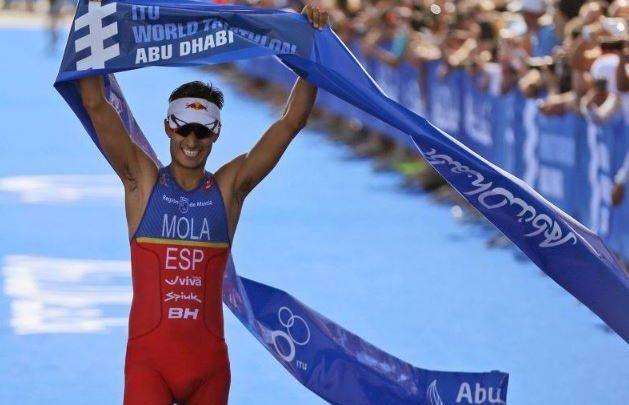 Mario Mola cierra temporada en The Island House Triathlon