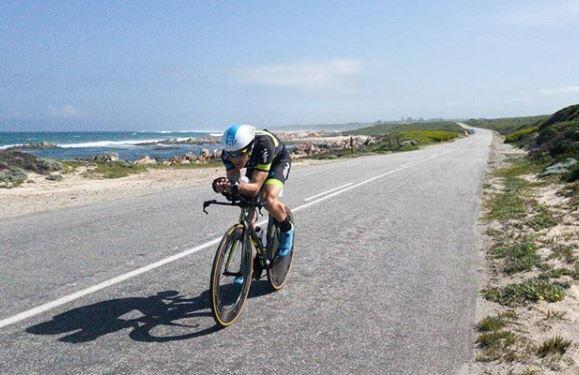 Gurutze Frades sexta y Eneko Llanos décimo en el Ironman Sudáfrica