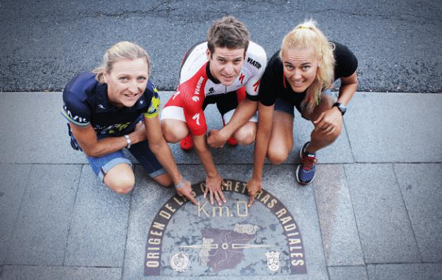 Las instituciones se citan con los pros del triatlón europeo en el Km0 de Madrid