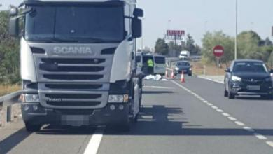 Photo of A 74-year-old cyclist dies after colliding with a truck on a highway in Puçol