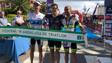 Photo of Pakillo Fernández-Cortes y Esther Córdoba ganadores del I Triatlón Isla Canela Guadiana