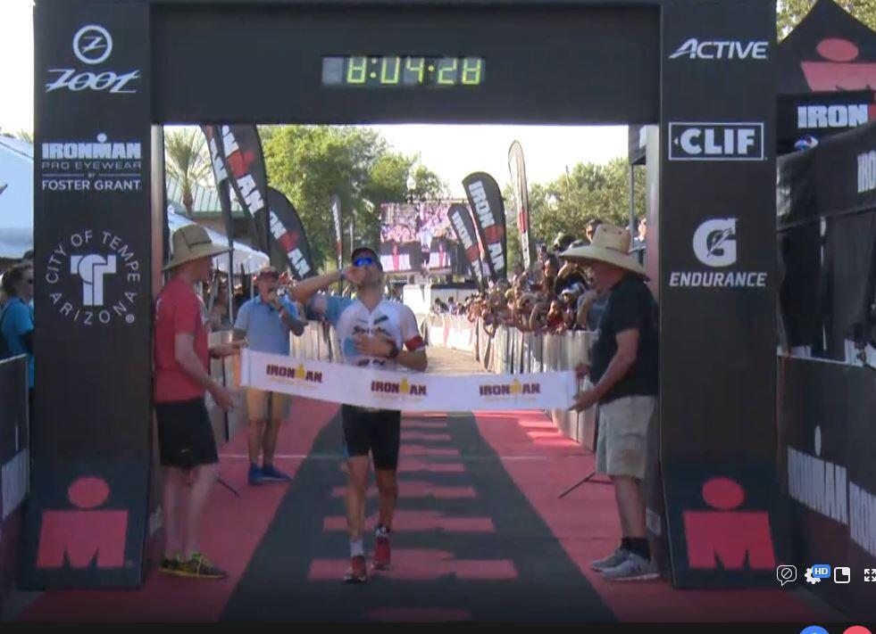 eneko-llanos-gana-ironman-arizona-2 Eneko Llanos gana el Ironman Arizona y se clasifica para Kona 2019 Noticias Ironman