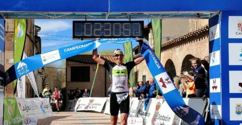 Gustavo Rodríguez and Helene Alberdi Champions of Spain of Duathlon MD