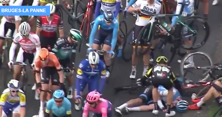 (Video) The sportsmanship of a cyclist after a multiple fall