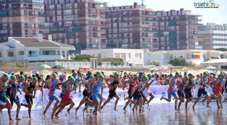 salida-natacion-copa-europa-huelva ¿Cómo ver en directo las Series Mundiales de Triatlón en Edmonton? Noticias Triatlón