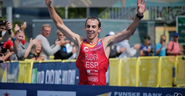Photo of Rubén Ruzafa runner-up in the World of Triathlon Cros