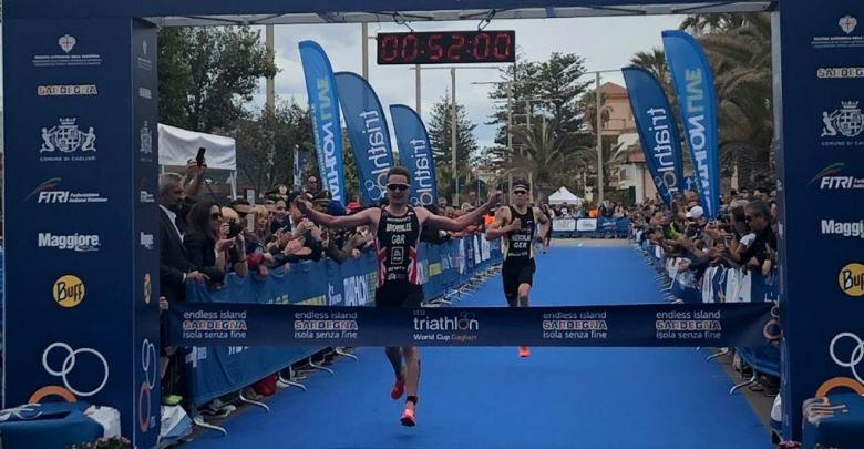 Alistair Brownlee winning the Cagliari Triathlon World Cup