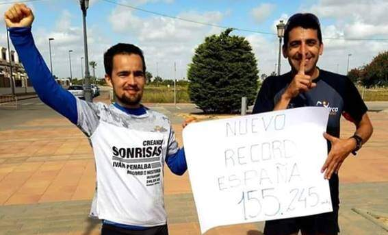 Iván Penalba batiendo record de España de 12 horas