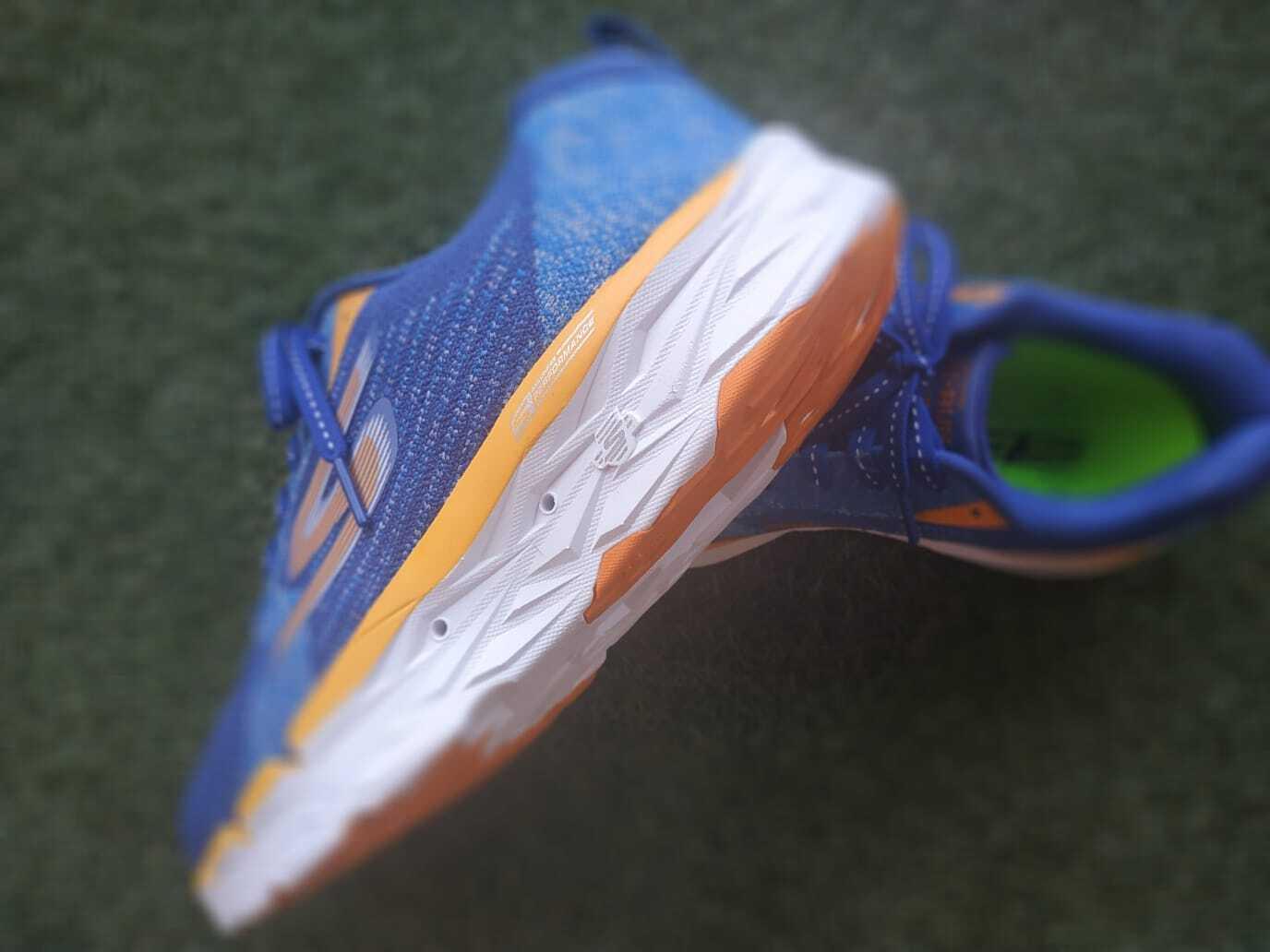 Suchen Sie ein Modell von MAXIMALISTA Sneakers? Skechers Gorun MaxRoad 3 Ultra Ihre beste Option.