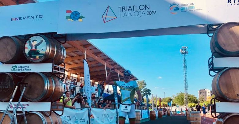 Gustavo Rodríguez and Cristina Roselló win the La Rioja Triathlon