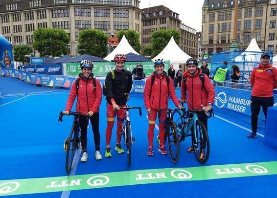 Spanish team wts haburgo triathlon mixed relay