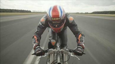Photo of The fastest cyclist in history, rolling at 280 km / hour