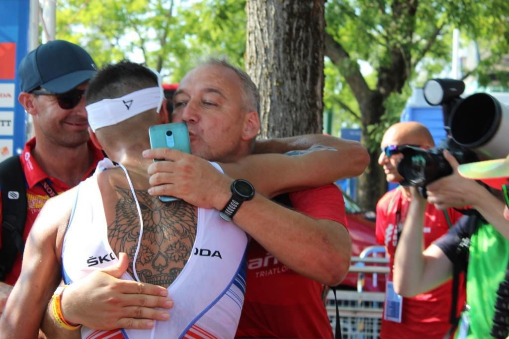WhatsApp-Image-2019-09-01-at-09.22.18-1024x682 The most emotional photos of the Triarmada in the Grand Final of the World Series Triathlon News