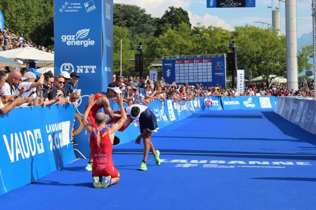 WhatsApp-Image-2019-09-01-at-09.53.30-1024x682 The most emotional photos of the Triarmada in the Grand Final of the World Series Triathlon News