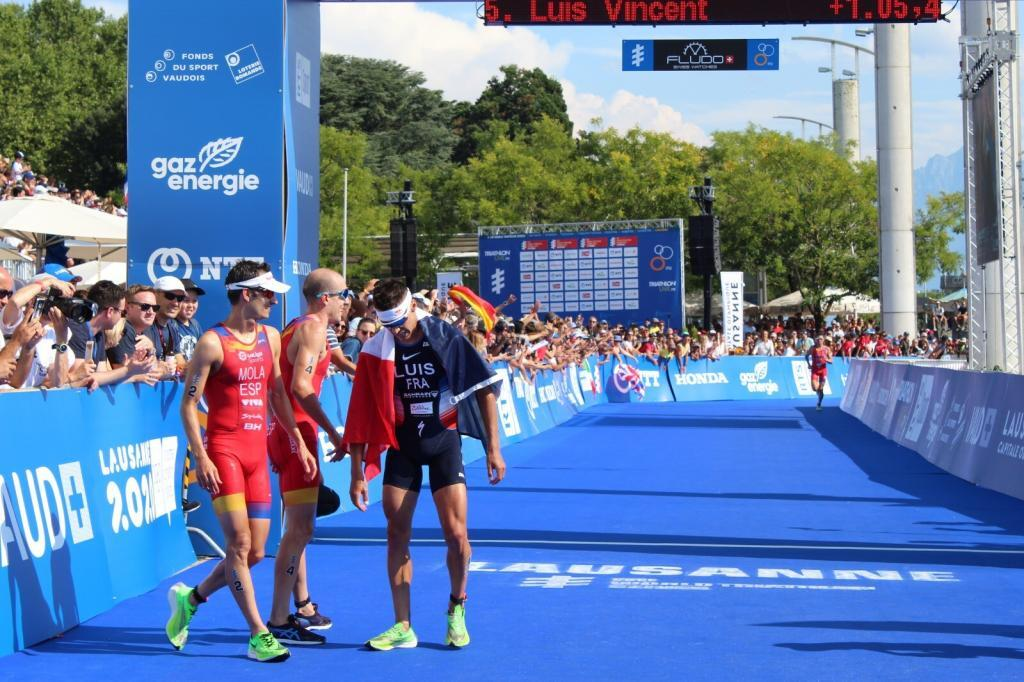 WhatsApp-Image-2019-09-01-at-09.53.31-1024x682 The most emotional photos of the Triarmada in the Grand Final of the World Series Triathlon News