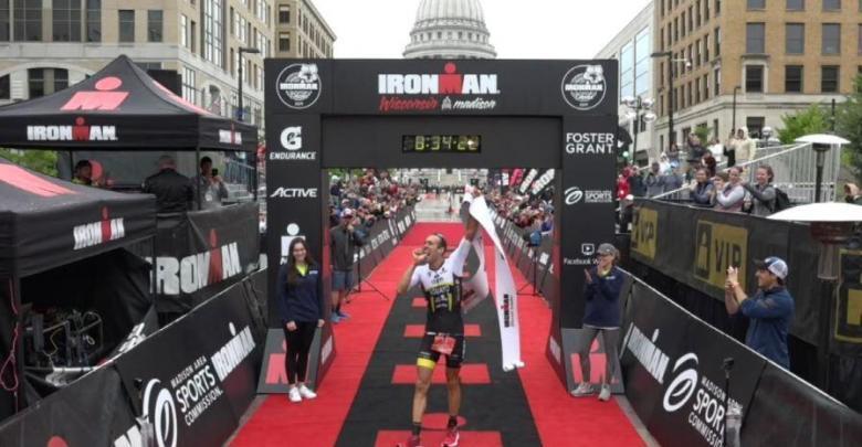 Emilio Aguayo ganando el IRONMAN Wisconsin