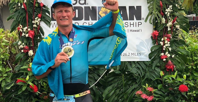 Alexandre Vinokourov wins the IRONMAN of Hawaii in his age group