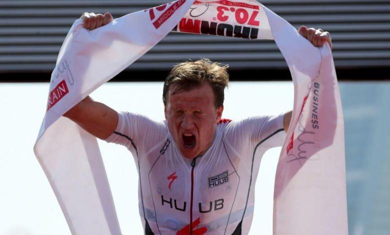 Kristian Blummenfelt bate el récord del Mundo en el IRONMAN 70.3 Bahrain