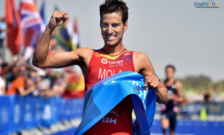 Mario Mola remportant le WTS Abu Dhabi en 2019