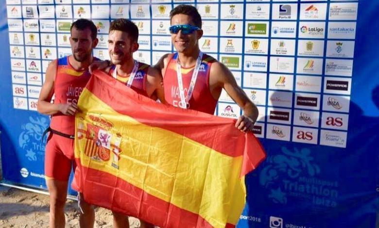 Foto des Medaillengewinners der spanischen Europameisterschaft Duathlon Punta Umbría