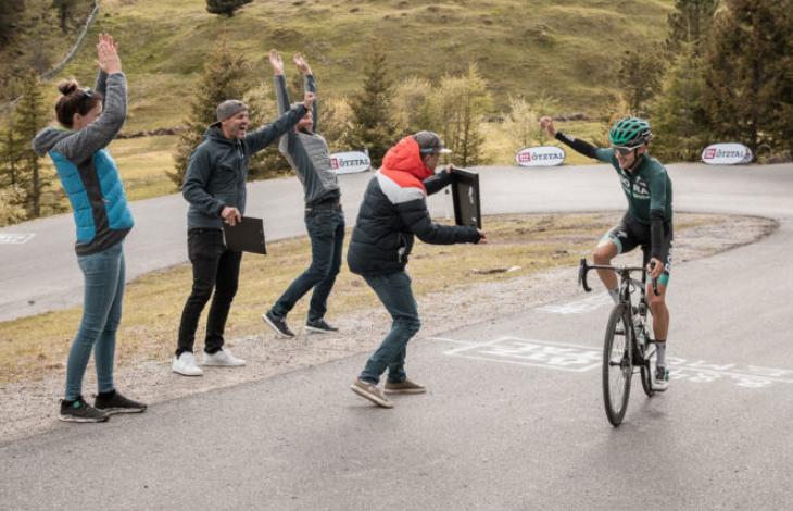 El cuarto clasificado del Tour de Francia bate el Récord del Everesting Challenge con 7:29