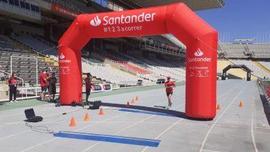 Das Foto des Triathlons '123 zur Überwindung von Barcelona' versammelt 500 Menschen in Barcelona