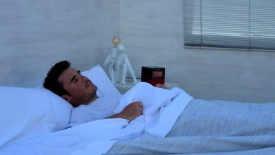 Photo of This is the announcement of Javier Gómez Noya promoting Pontevedra from bed