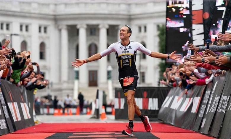 Emilio Aguayo entrando en meta del IRONMAN Wisconsin