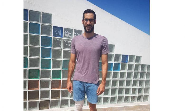Vicente Hernández after knee operation