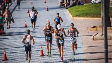 Das Foto des Valencia Sprint Triathlon-Events schließt die Registrierung 48 Stunden nach seiner Eröffnung ab.