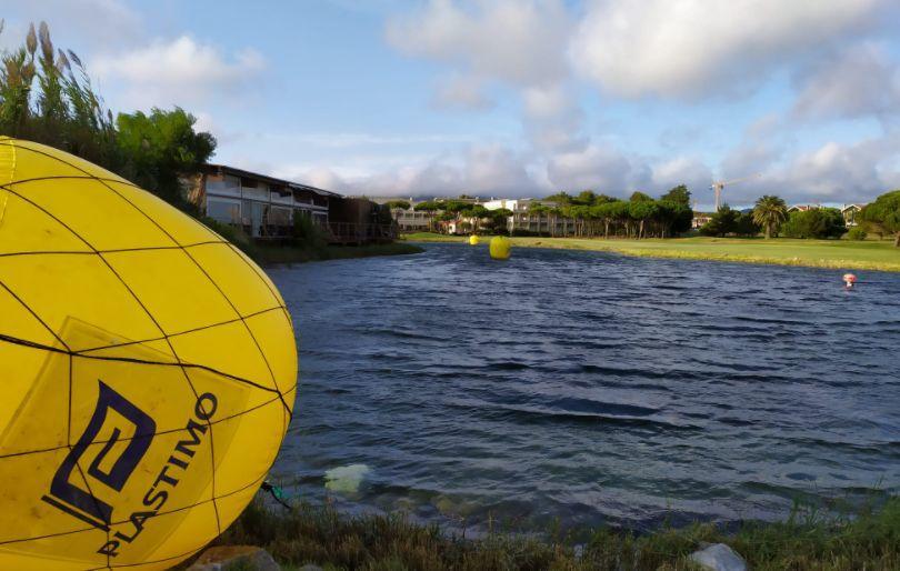 Lago para campus de triatlón en Quinta da Marinha Resort