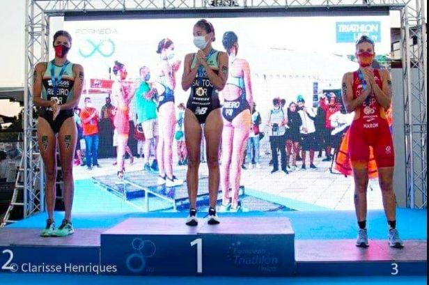 Photo of Sara Guerrero and Carlos Oliver bronze at the Alhandra Mediterranean Championships