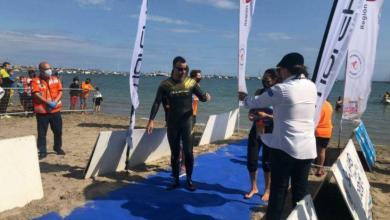 Photo of A Spanish swimmer breaks the world record by swimming 48 kilometers blind in the Mar Menor