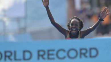 Photo of Jepchirchir breaks women's world record for half marathon